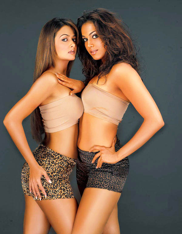 bikini in Esha koppikar