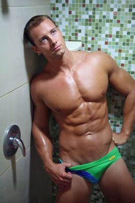 Hot hunks in speedos hot 39 n 39 hunky - Beatufiol cock peicther ...