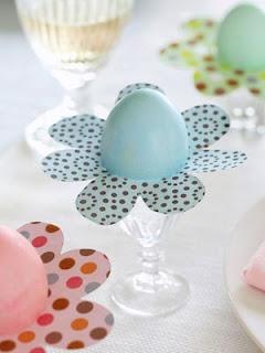 Ovos de Páscoa decorados com papel