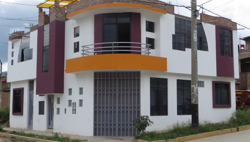 Fachadas y casas lindas casas ubicadas en esquinas for Disenos de casas en esquinas