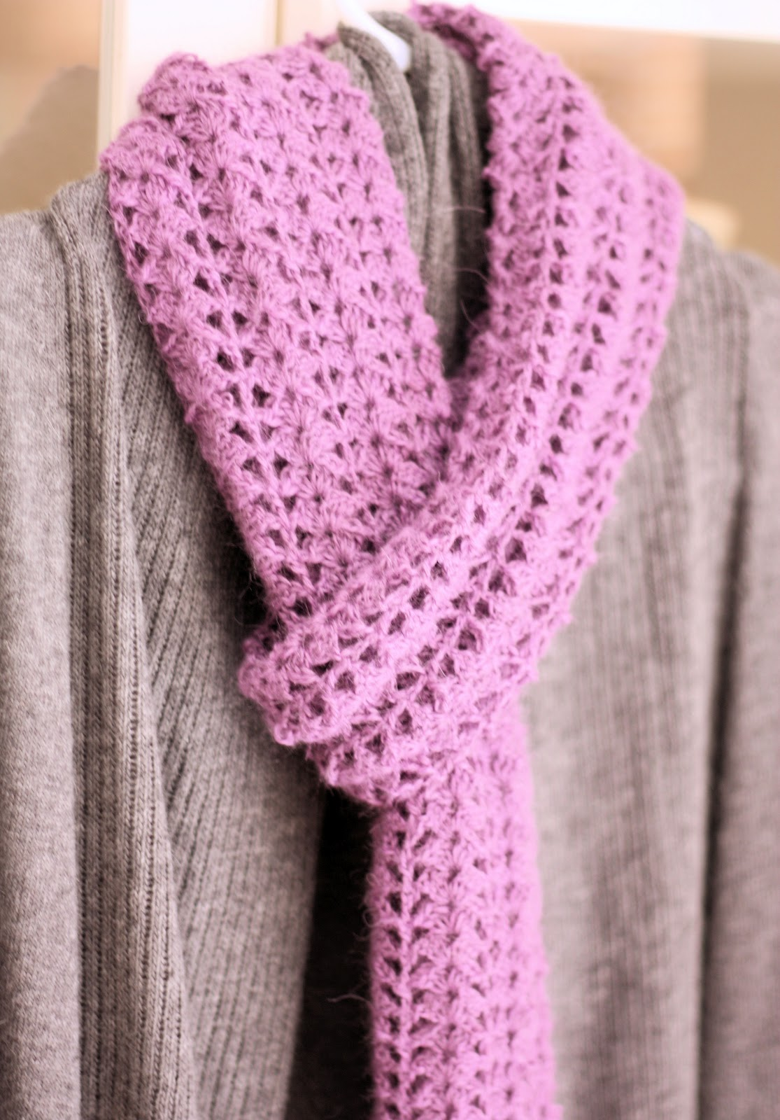 Crochet Lace Pattern For Beginners : Crocheted Scarf {Free Pattern} - A Spoonful of Sugar