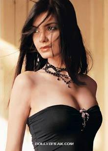 cocktail actress hot pic  - (4) - cocktail movie actress hot pics - Diana Penty