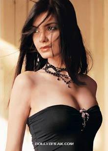 cocktail actress hot pic  - (4) - cocktail movie actress hot pics - Diana Penty