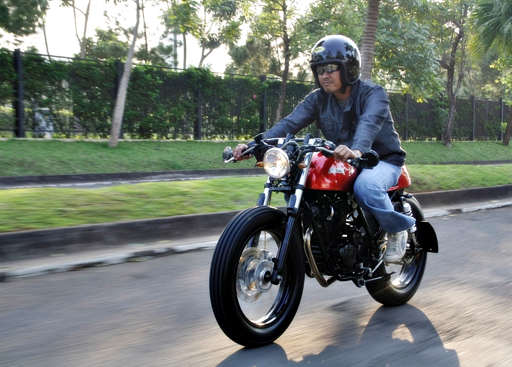 JOY RIDE WITH YAMAHA SCORPIO '08 CAFE RACER title=