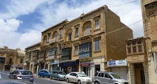 Balcones típicos malteses, Victoria, isla de Gozo.