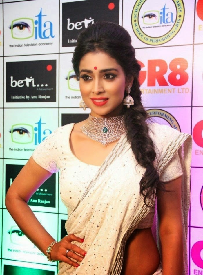 http://3.bp.blogspot.com/-IV4qapWl3oA/Uy_11UkfGyI/AAAAAAAAnD8/rrGfsd8K8n0/s1600/Shriya+Saran+at+GR8!+Women+Awards+2014+Hot+Images+(1).jpg