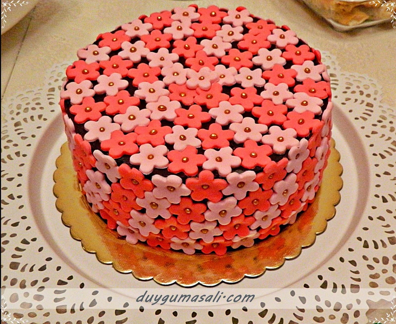 çiçekli butik pasta