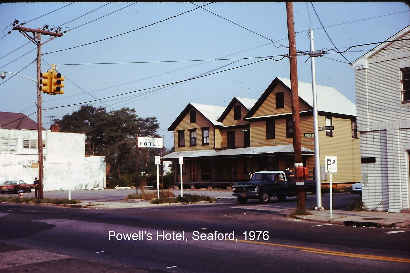 A Reader Inquired Whether I Had Photo Of Powell S Hotel Yes Took Several Street Photos During Our First Years In Seaford And About 2010 Scanned