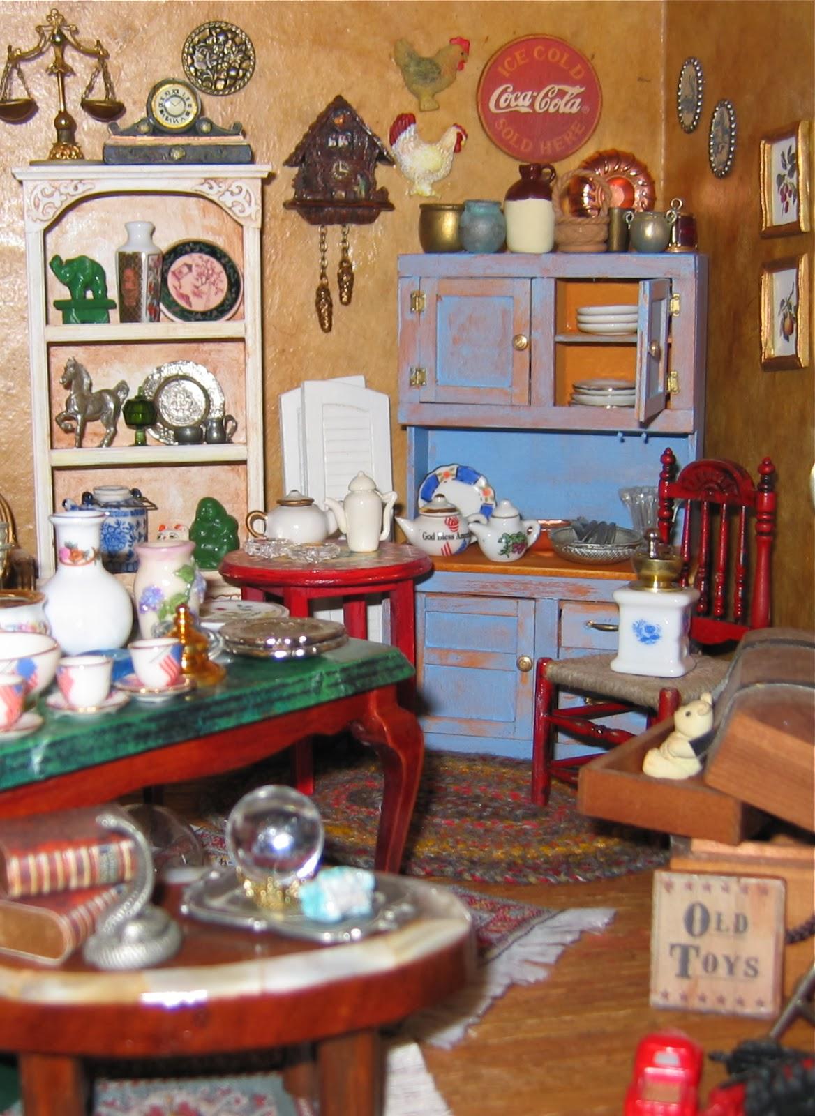 1:12 scale dollhouse antiques