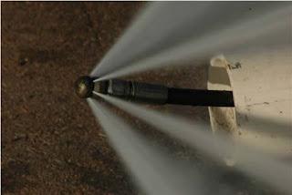 Agua a presión para limpiar tuberías