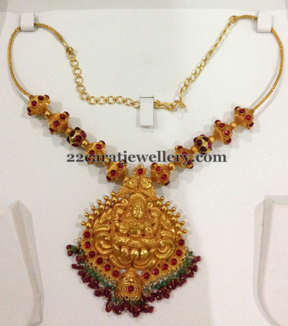 Gold Necklace around 40 Gms