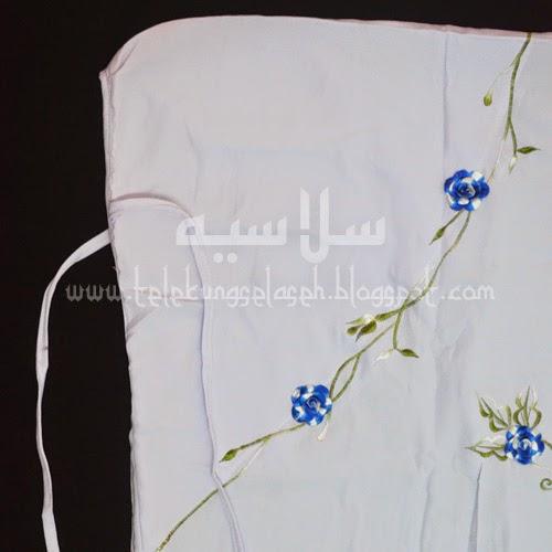 Telekung Vietnam bunga biru royal / daun hijau-putih bahagian muka