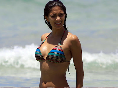 Nicole Scherzinger Looking Hot
