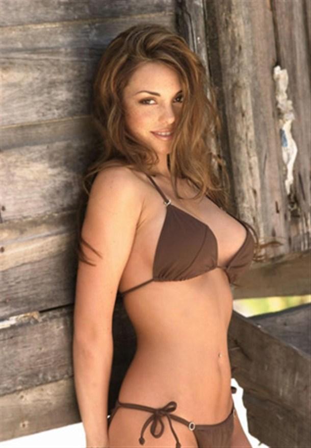 Danielle Gamba Sexy in Swimsuit