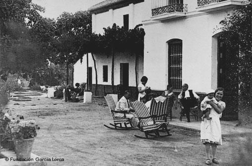 Federico garcia lorca y su relaci n con llora la for Huerta de san vicente muebles