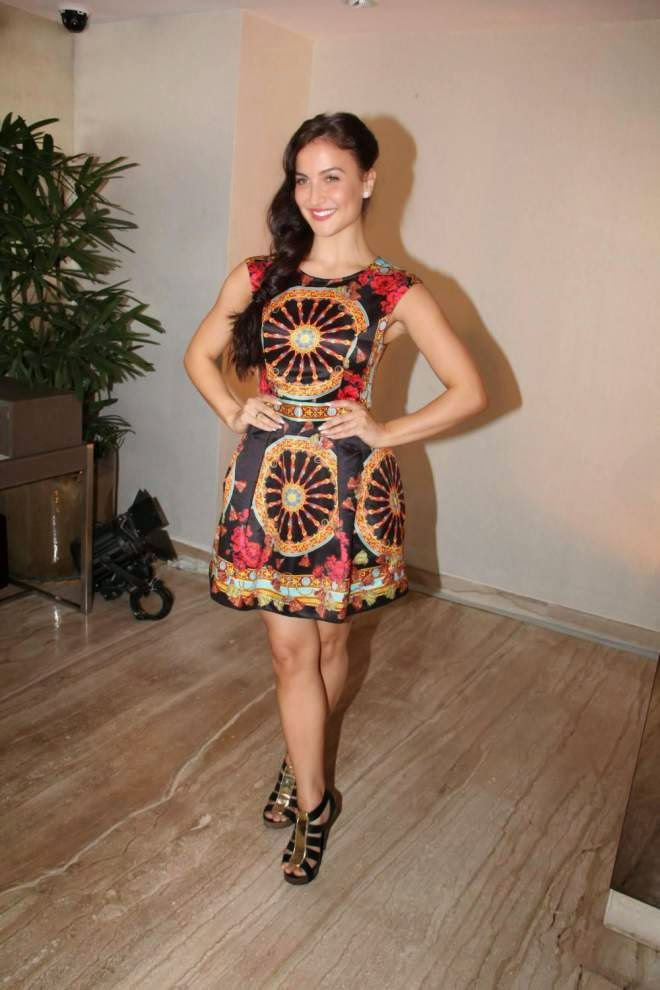 Elli Avram Sexy Thigh Show Pics Mini Short Dress