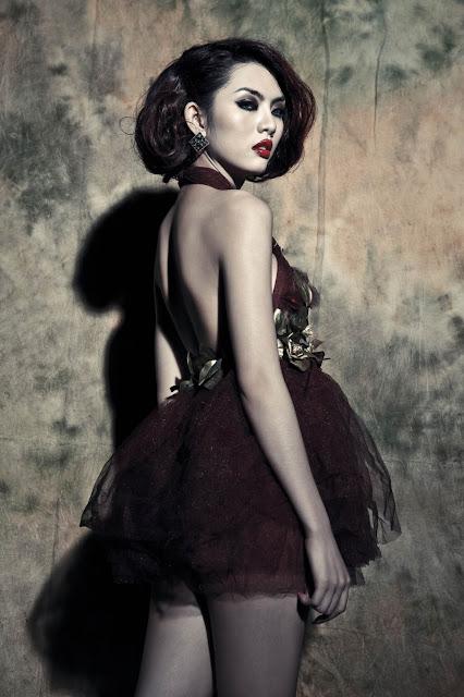 Siêu mẫu Hằng Nguyễn .... sexy lady