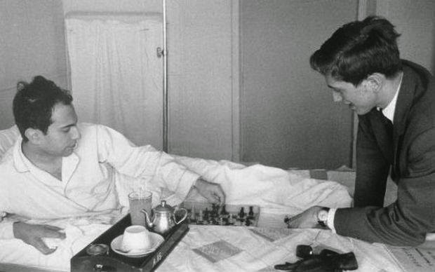 Chess Therapy in the Hospital For Mental Health - Fischer vs. Tal