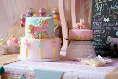 Daisy Pink Cupcake Carousel Party