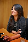 Shruti Haasan Glam pics-thumbnail-45