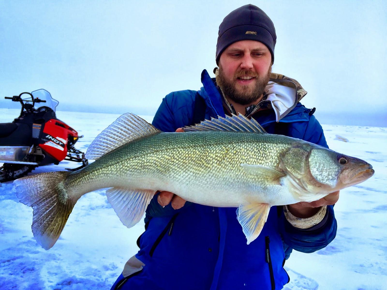 Jason hamilton outdoors jumping cracks on lake winnipeg for Lake winnipeg fishing report
