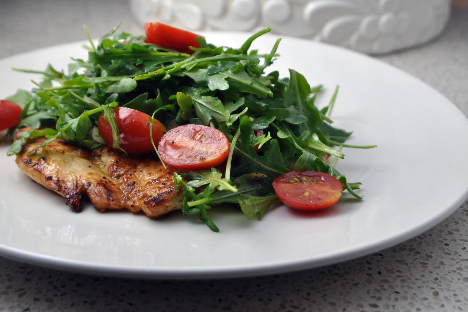 Chicken with Tomatoes and Arugula