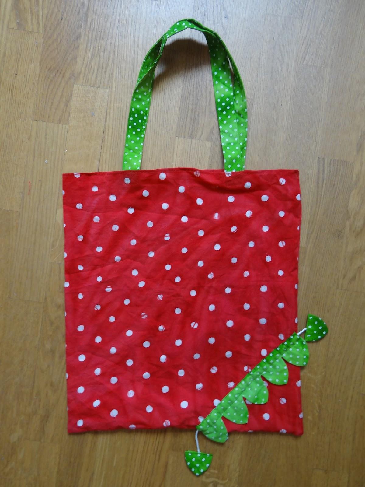 C 39 est super facile sac courses coeur fraise - Coeur avec des photos ...