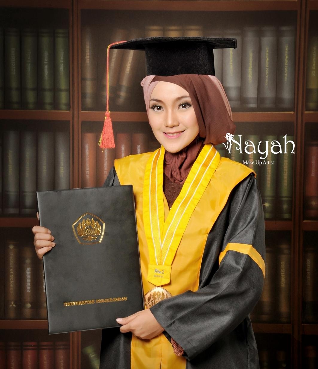 Make Hijab Do untuk natural  Hair Style wisuda Pictures make Wisuda up Up And Bandung
