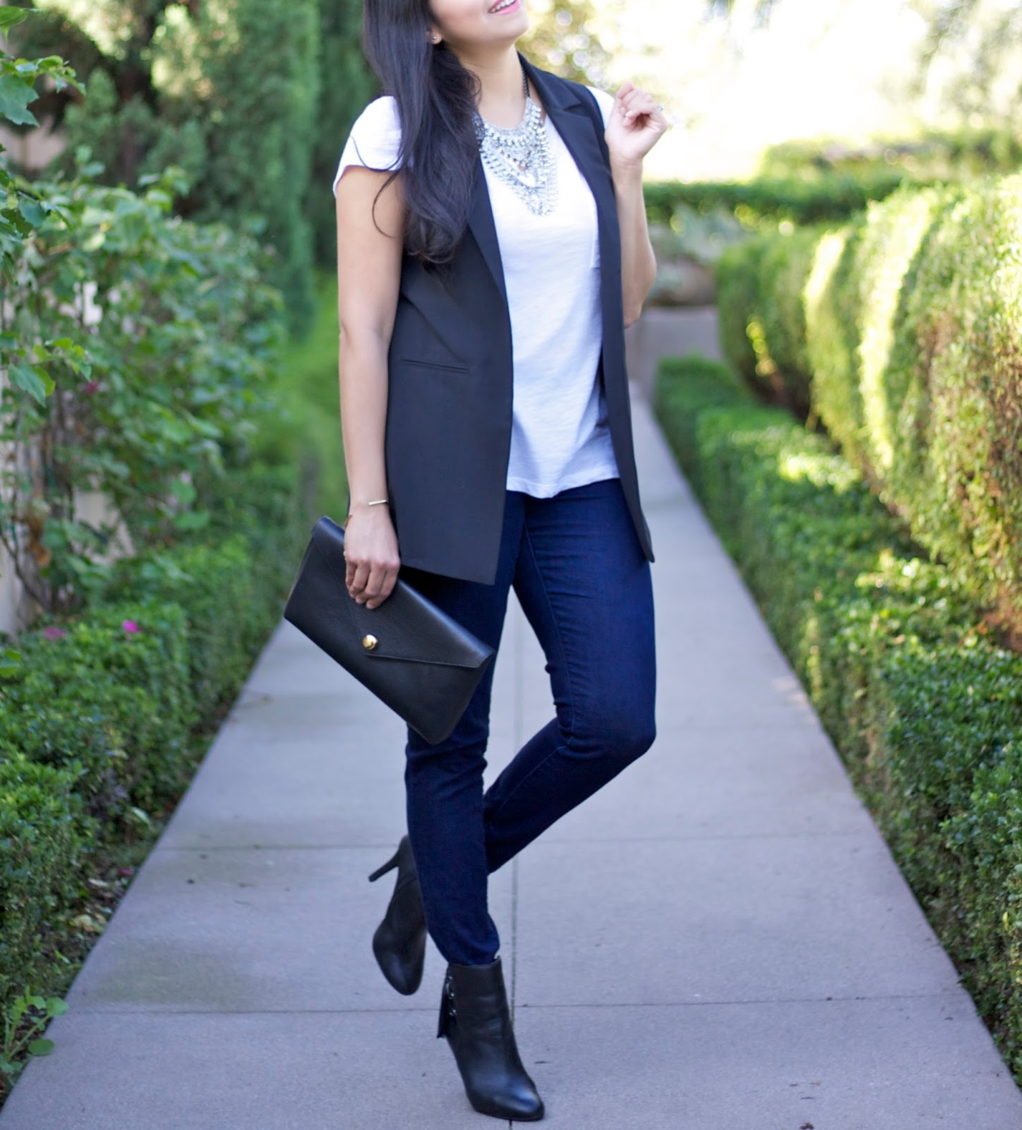 San Diego Fashion Blogger, socal blogger, casual Friday, black chic vest