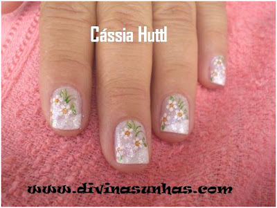 unhas-decoradas-margaridas-leitoras