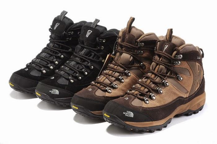Sepatu gunung yang baik dan bagus adalah sepatu dengan bahan yang tebal dan  tidak mudah sobek ac25a4cbf0