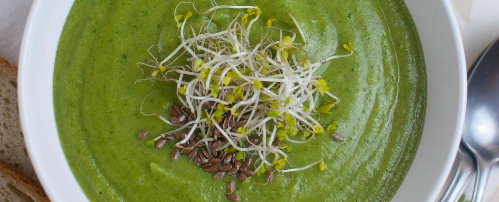 Soczyście zielony krem brokułowy