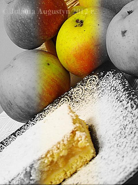Placek z jabłkami