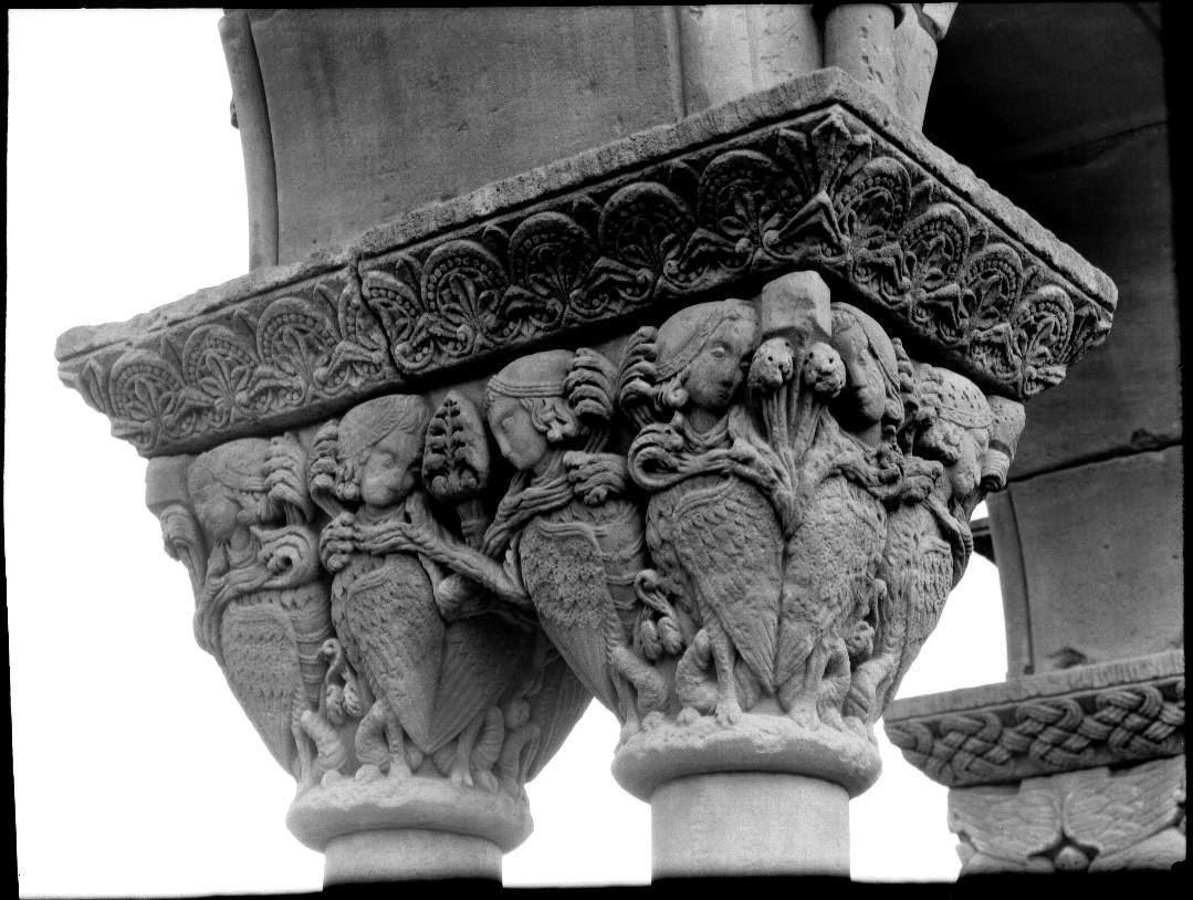 Capitel arpías