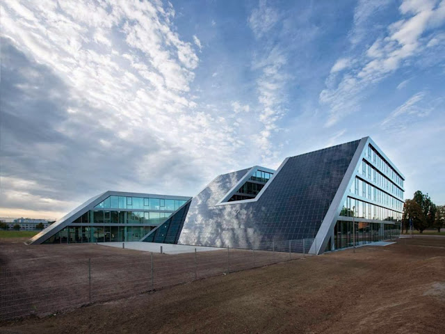04-Hahn-Kolb-Headquarters-by-Sigrid-Hintersteininger-architects