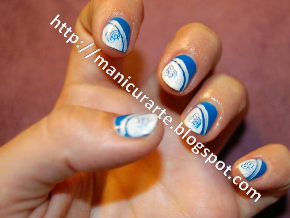 Manicurarte manicura azul y blanco black and blue nails for Decoracion de unas converse