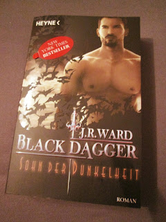 http://www.amazon.de/Sohn-Dunkelheit-Black-Dagger-Roman-ebook/dp/B00DF0LEHA/ref=sr_1_1?s=books&ie=UTF8&qid=1451773618&sr=1-1&keywords=sohn+der+dunkelheit
