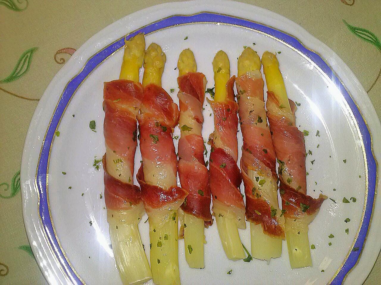 Las recetas de mi casa esp rragos blancos con jam n for Cocinar esparragos