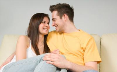 إكتشافات غريبة لن تصدقيها عن الجماع والعلاقة الحميمية,امرأة تجلس على حجر رجل,woman sit on man lap