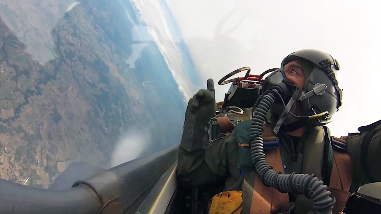 piloto kfir fuerza aerea colombiana