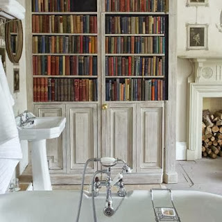 Reading space in the bathroom