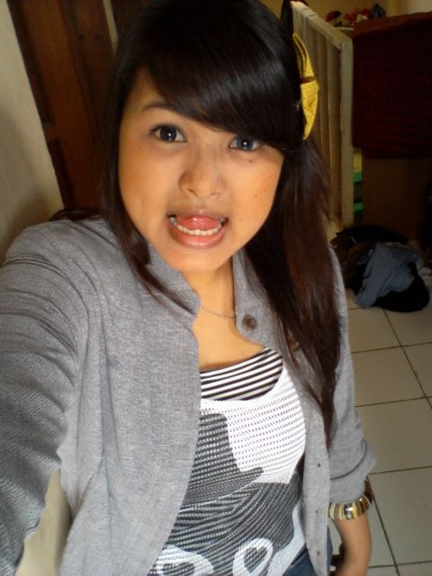 Memek Sryanne Siburian - Mahasiswa Atron