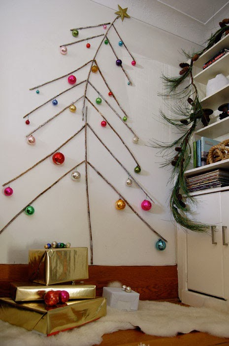 alternative-christmas-tree-with-branches-and-random-bulbs