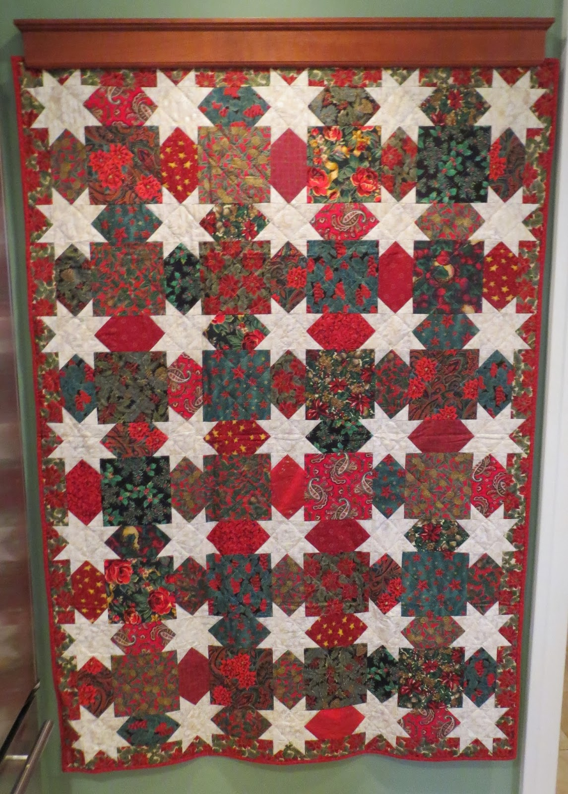 Quilting Patterns For Christmas : Quilting on Main Street: Christmas Quilts Past
