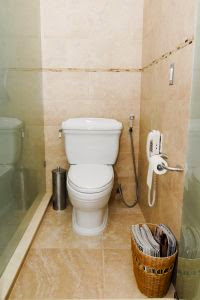 Desain dan Tata Ruang Kamar Mandi Minimalis Kecil http://www.rumahminimalisdesign.com/