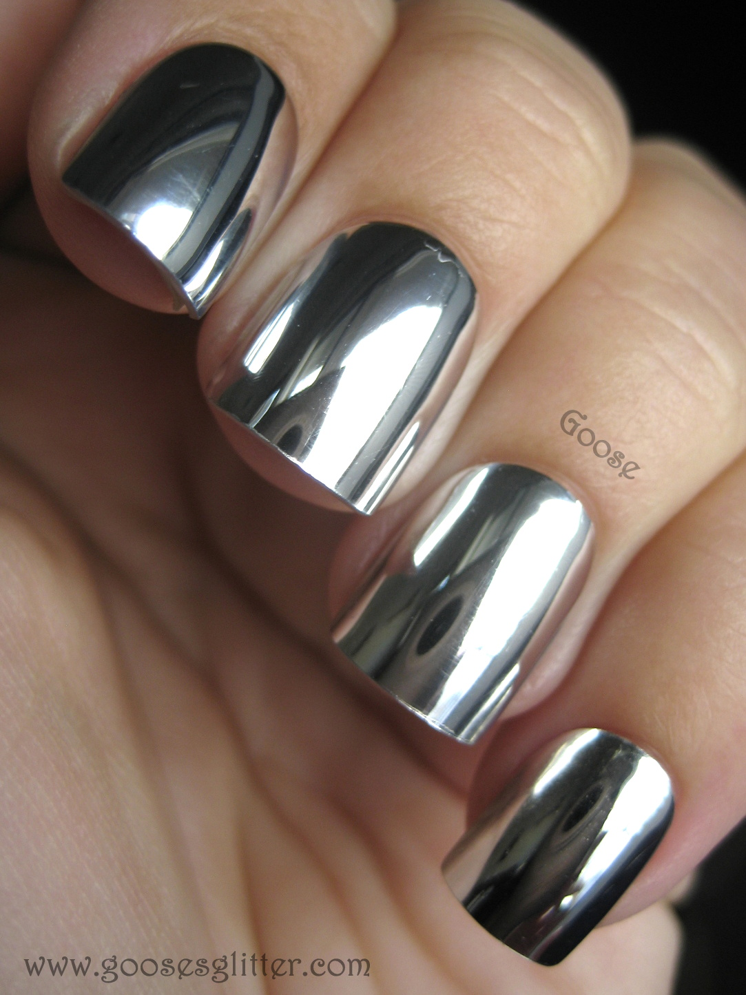 beauty with the beautifool lust have mirror nails