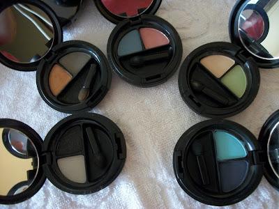 Cinco duo de cores: algumas mais pigmentadas e outras suaves.