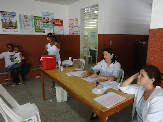 Equipe do PSF 07 na Lagoa Seca na campanha de vacinação.