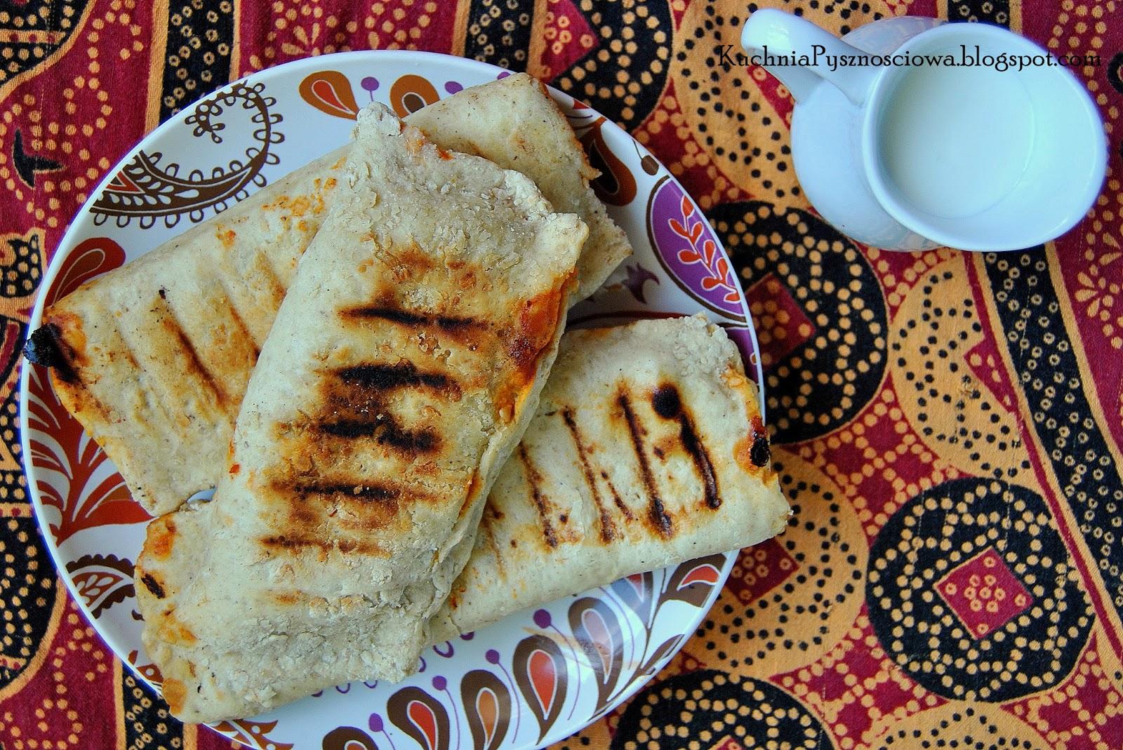 186. Grillowany chleb arabski faszerowany warzywami
