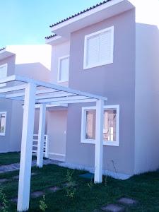 Casas Tipo Sobrados Individuais em Condomínio Fechado